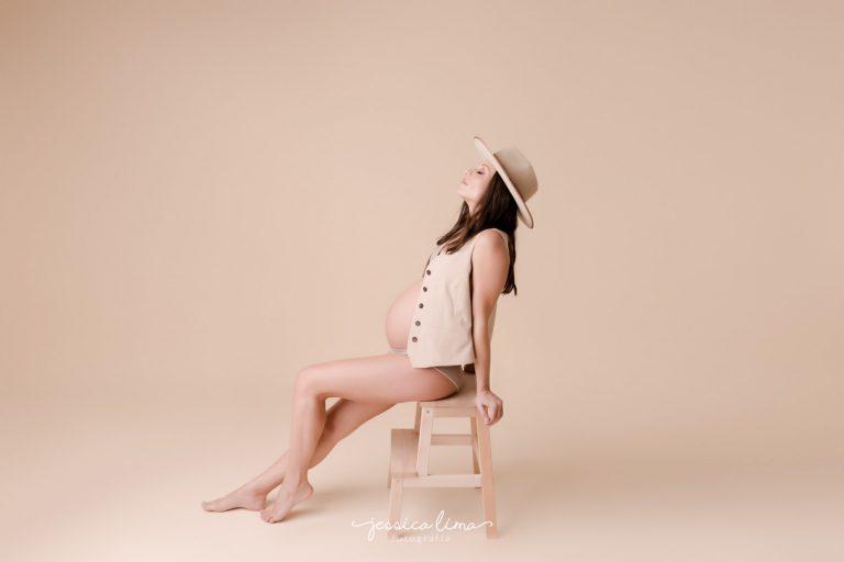 Sesion-de-fotos-en-estudio-de-embarazada-en-madrid-jessica-lima-1